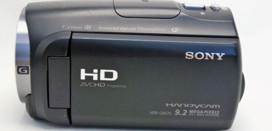 hdr-cx670-sony-handycam-再起動を繰り返し起動しない