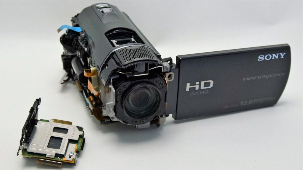 HDR-CX520-Handycam 水没して起動しない